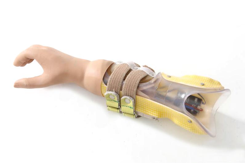 前腕義手殻構造製品写真