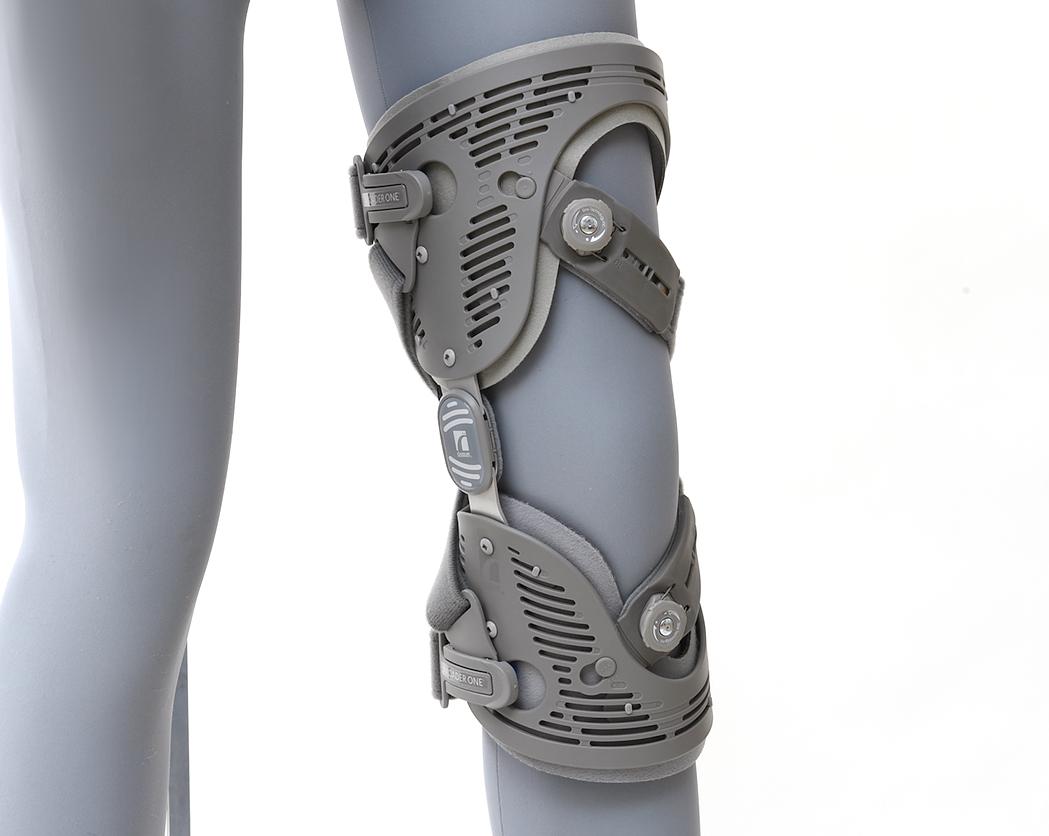 膝装具製品写真